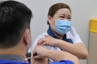 新加坡啟動新冠疫苗接種   李顯龍稱抗疫新篇章