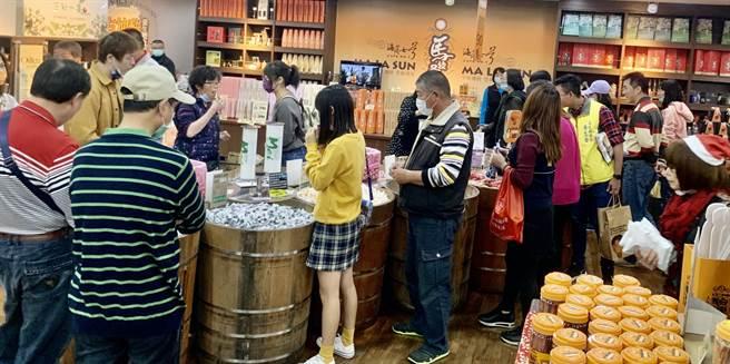 信義鄉農會梅子夢工廠,是賞梅中途休憩點,還可採購優質農特產伴手禮。(廖志晃攝)