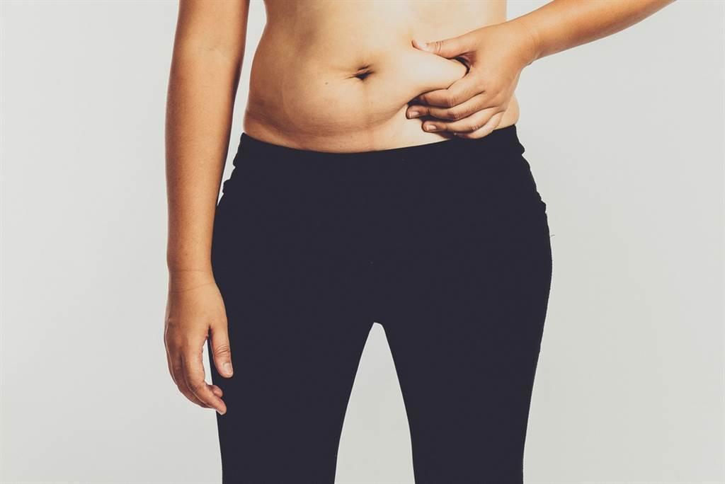 明明做了很多運動又控制飲食,為什麼體重、體脂還降不下來?新陳代謝醫師點出關鍵。(示意圖/Shutterstock)