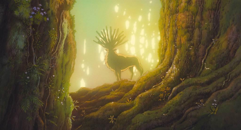 動畫電影《魔法公主》中「山獸神」的側身,外型像是駝鹿。(圖/宮崎駿官網)