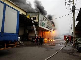 仁武食品公司火災火勢獲控制 無人受傷受困