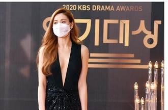 韓女星紅毯爭艷 「世界第一美女」辣露側乳太撩人