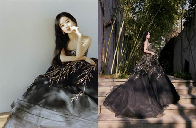 趙麗穎選穿Georges Hobeika 2021春夏系列黑色亮片裙曬出好身材。(圖/摘自微博@赵丽颖工作室)