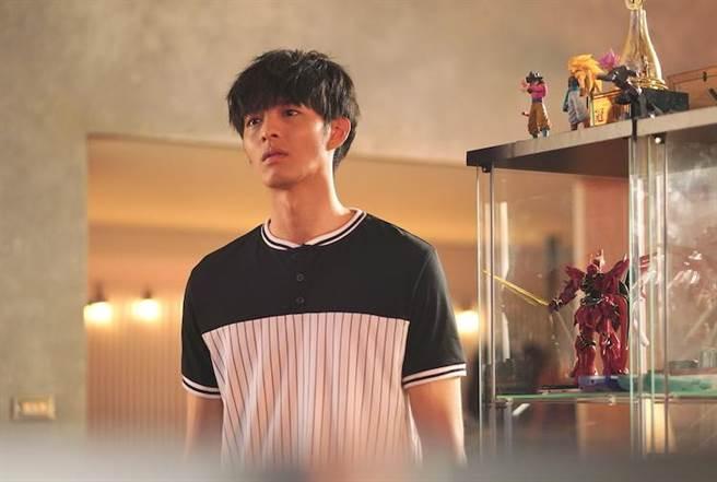 曹佑寧在電影《叱咤風雲》中飾演賽車遊戲高手。(創映電影、量能影業提供)