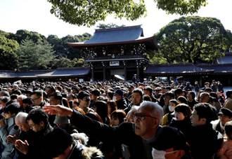 東京疫情嚴峻 新年參拜明治神宮人潮減半