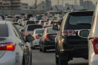國3中寮隧道5車連環撞致7傷 車流回堵10公里