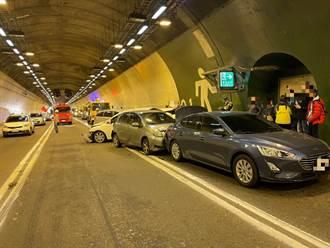 國3中寮隧道5車連環撞10人傷 車流回堵10公里