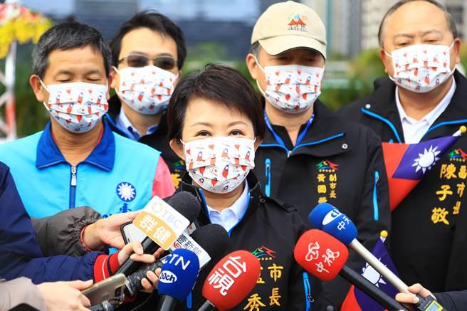 台中市長盧秀燕1日在元旦升旗典禮強調,「中央對於瘦肉精好放水,但是台中市不會」。(盧金足攝)