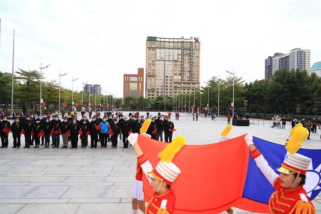 台中市長盧秀燕向市民許下新年新希望,繼續朝「富市台中,新好生活」目標邁進,全力讓「台中蛻變、幸福倍增」。(盧金足攝)