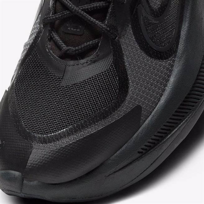 Nike Fontanka Edge黑魂多層中底,一樣香到不行(圖/BEEN蜂報提供)