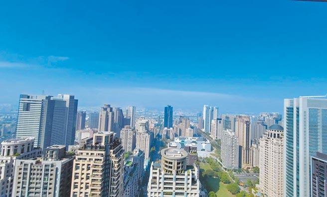 台中巿七期豪宅林立,建商紛紛找來國際團隊提升建案格局。(王莫昀攝)