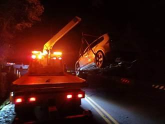 情侶開車夜遊爆胎 自撞苗124線護欄求援