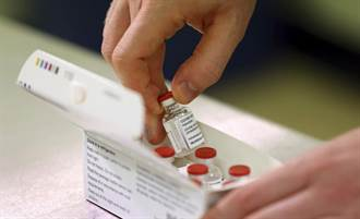 不同藥廠的新冠疫苗可以混著打? 英國否認 俄將進行實驗