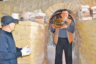 竹南蛇窯開窯 各世代陶器同燒