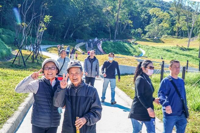 橫山鄉合興森林愛情園區啟用,成在地民眾及內灣每年200萬遊客新的特色休憩地點。(羅浚濱攝)