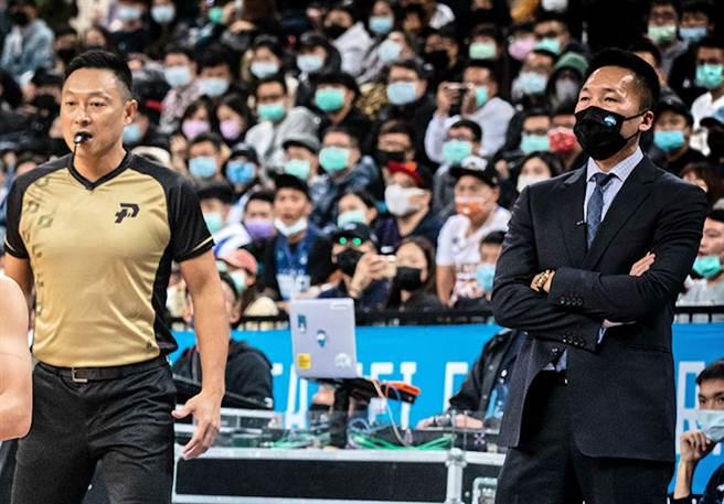 就算富邦至今保持不敗之身,許晉哲總教練仍然不敢大意。(PLG提供)