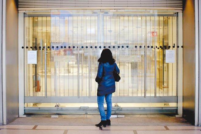 疫情衝擊女性就業圖╱美聯社