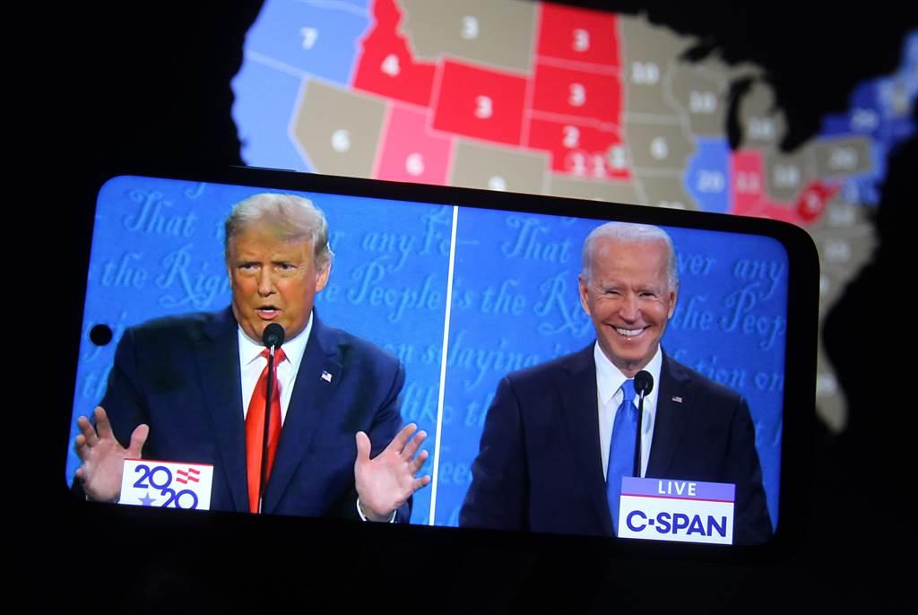 美國總統川普(左)和新任總統拜登(右)。(圖為資料照/shutterstock)