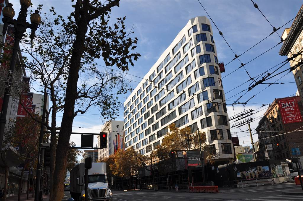 尚芮公寓Serif是由Iwamoto Scott Architecture以及Handel Architects攜手合作完成。(業者提供)
