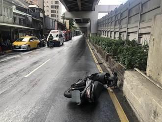北市大安23歲騎士打滑追撞路邊停靠車輛 送醫搶救中