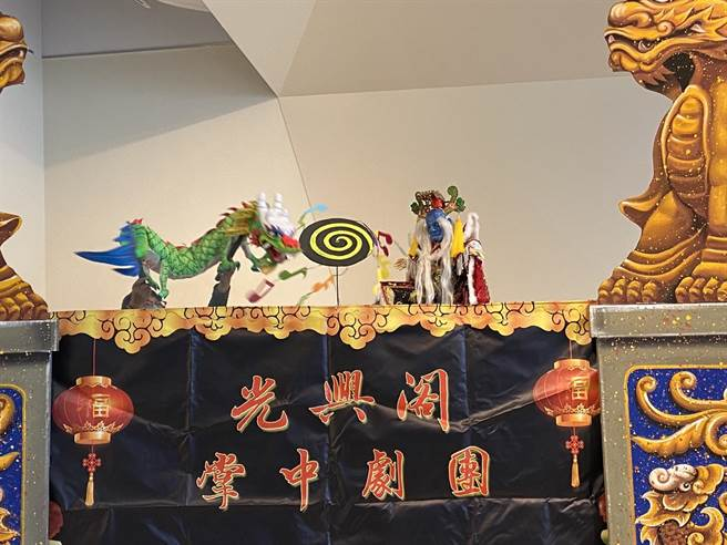 《大俠百草翁之金光飛樂ㄩㄝˋ大對決》1月23日至24日在員林演藝廳演出,將帶領觀眾重遊40年代到70年代的掌中戲配樂歷程。(吳敏菁攝)