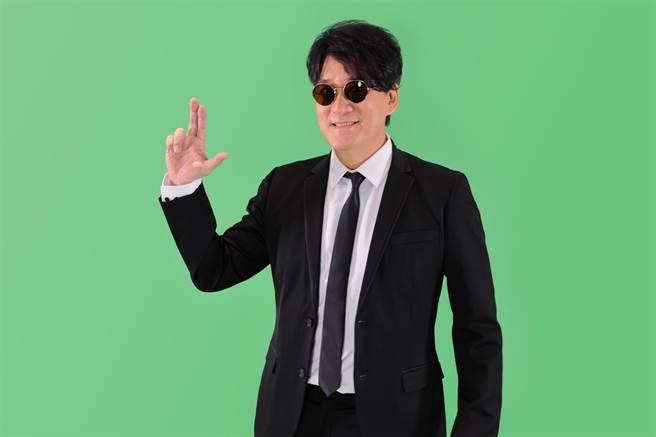 周華健睽違五年宣布將於4/10五度攻蛋,更「好事成雙」宣布要於5/8首次站上高雄巨蛋。(滾石唱片提供)