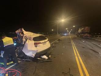 宜蘭噶瑪蘭大橋小客車對撞化學槽車 駕駛困車內慘死