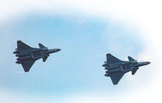 殲-20首飛10周年 量產近百架