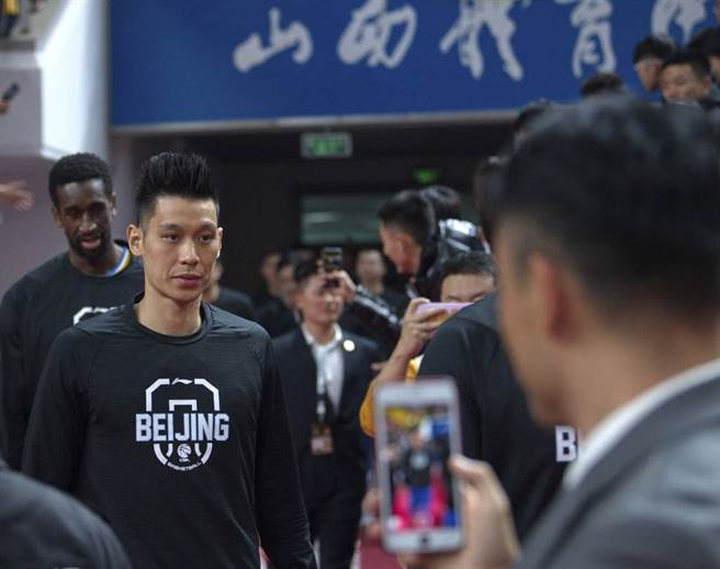 NBA例行賽已經開打,還有很多自由球員找不到東家,林書豪開始考慮返回大陸CBA。(新華社資料照)