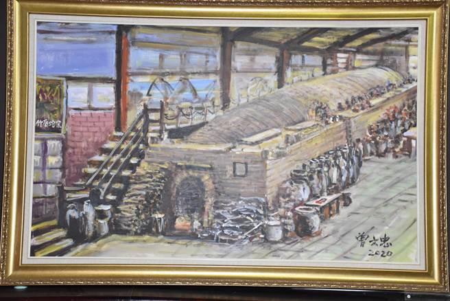 86歲的高雄美濃客家油畫家曾文忠捐出個人畫作24幅贊助林瑞華購回竹南蛇窯產權。(謝明俊攝)