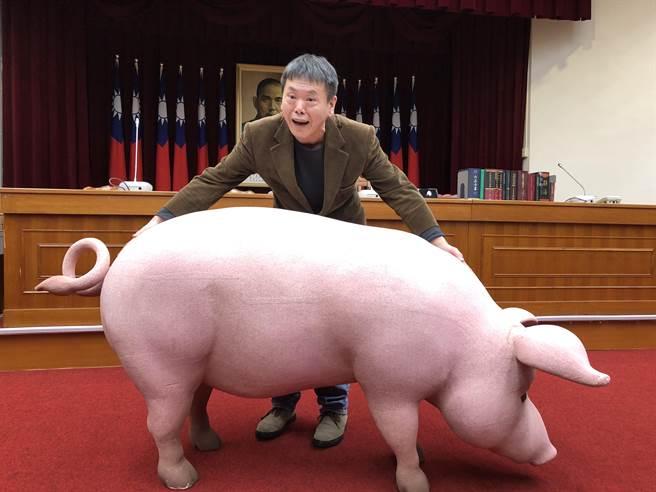 國民黨團總召林為洲下午出席「雙公投連署實務研習營」。(趙婉淳攝)