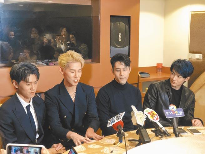 邱宇辰(左起)、夏和熙、胡宇威、張庭瑚前晚分享一路走來的心情。(吳維書攝)