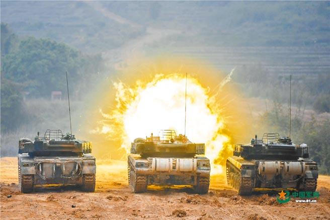 解放軍東部戰區第73集團軍組織坦克實彈射擊訓練。(取自中國軍網)