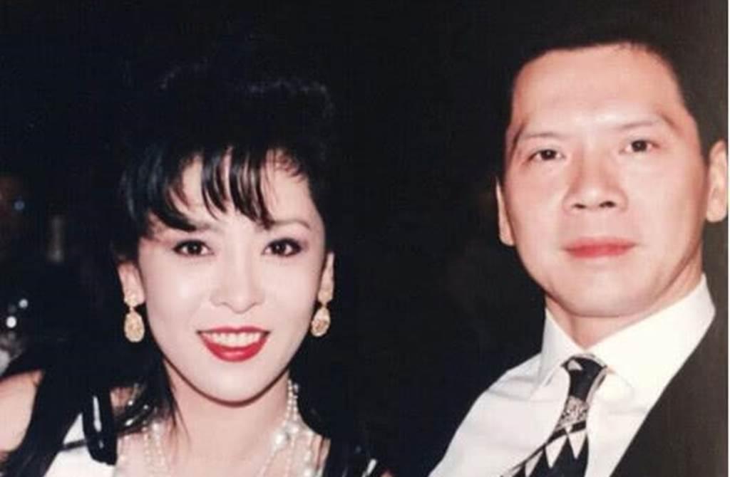陳嵐年輕時美貌媲美關之琳。(圖/微博)