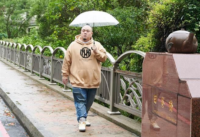大淵-本名林睦淵,與瘦子、小春組成饒舌歌手團體「頑童MJ116」,曾獲得2018 年第29 屆金曲獎最佳演唱組合獎。(攝影/陳冠凱提供)