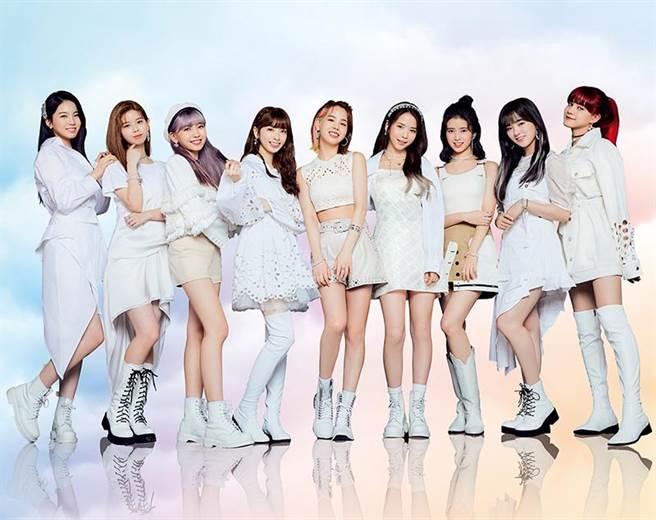 日韓混血新銳女團NiziU於2020年出道,藉Tiktok風靡全球。(索尼音樂提供)