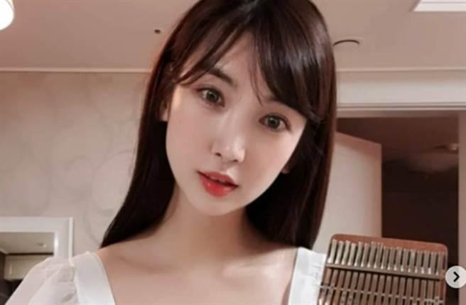 林李智外型甜美,出道時被指酷似日星廣末涼子。(圖/翻攝自林李智IG)