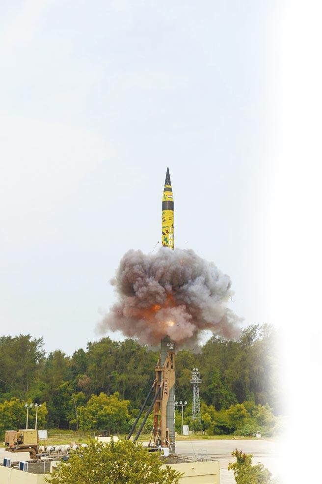 印度「烈火-5」型彈道飛彈。(取自印度國防部官方推特)