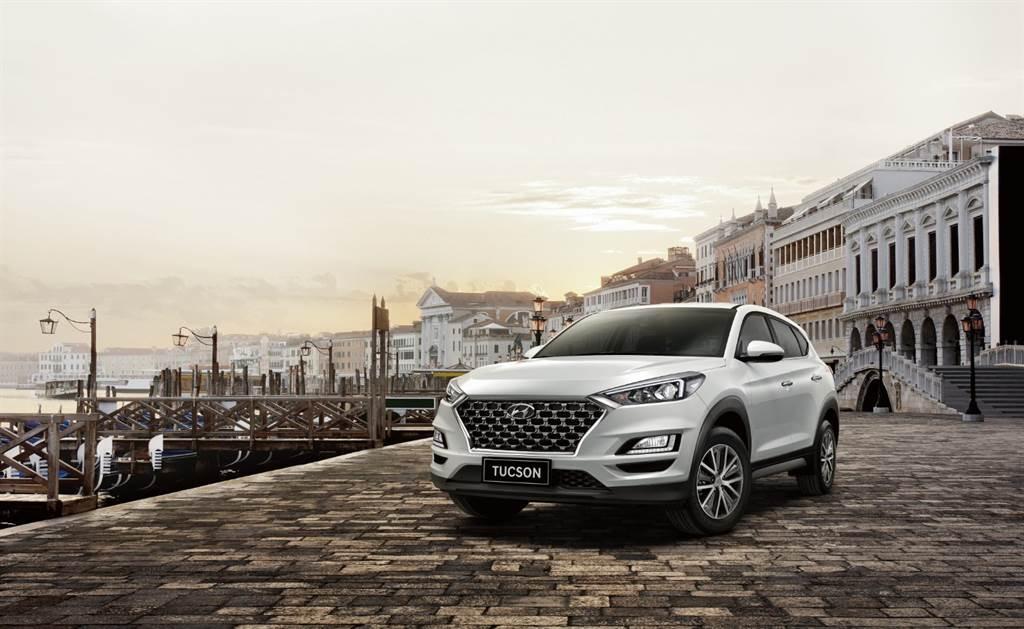 新年開新車,本月入主TUCSON享2萬元購車金與5萬元配件禮。