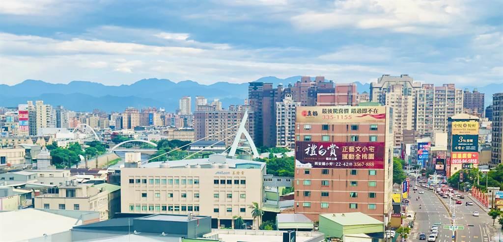 桃園2房的平均總價在760萬元,自2013年第一季起,創下31季以來新高點。(台灣房屋提供)