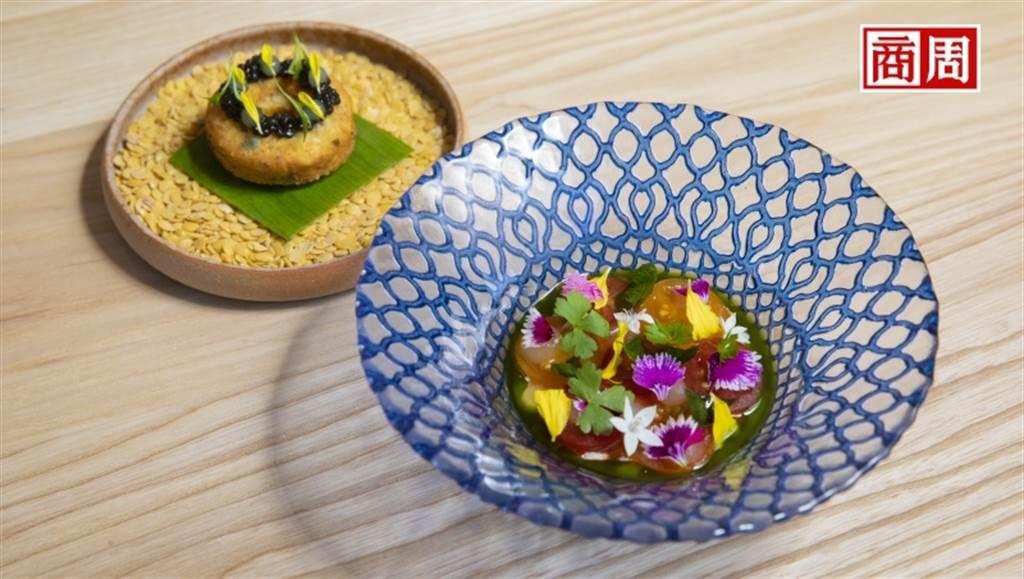 JL Studio將印度番茄蔬菜湯與炸扁豆改良製作成鹹鹹圈,並搭配繽紛蘸醬。(圖/郭涵羚攝)