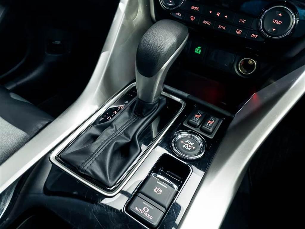 變速箱搭配模擬八速之CVT無段變速系統,同時兩車型皆具備AYC主動彎道動態控制,高規車型則搭載S-AWC超能全時四輪控制系統。