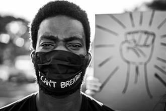 洛杉磯反口罩團體闖進商場  叫罵「口罩納粹」