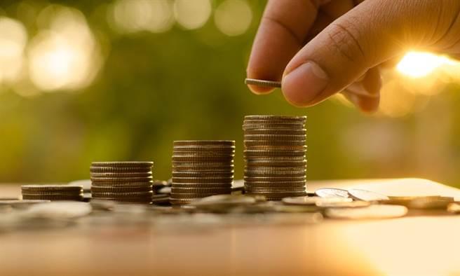 有研究顯示增收部分負擔仍舊難以抑制浪費,但增收的確是為健保財庫開源的選項。(示意圖/Pixabay 康健雜誌提供)