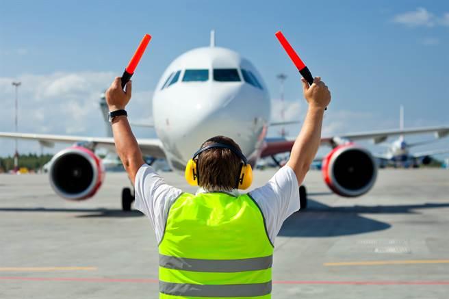 旅遊業和航空業,還救得起來嗎?(示意圖/shutterstock提供)