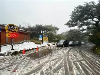 陽明山追雪車流多  小油坑擦撞事故幸無人傷