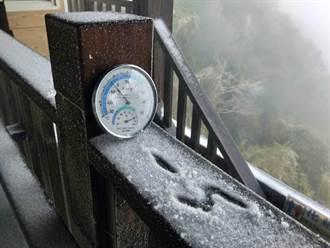 竹縣尖石鄉凌晨降冰霰、路面結冰 籲遊客注意行車安全