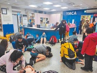 台南YMCA泳池一氧化碳外洩 23人送醫