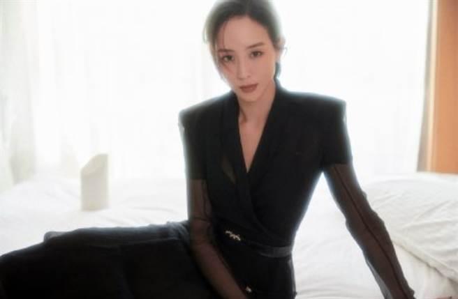 台灣女星張鈞甯近期為新電影剪去多年長髮,以吸睛短髮造型成為話題焦點。(圖/摘自微博@ 泰洋川禾)