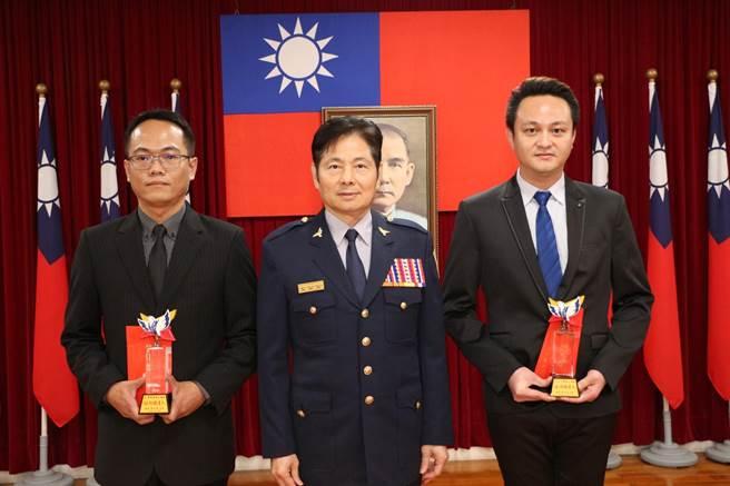 台南市警局長詹永茂(中)上任不到半年,又傳將調職高升。(台南市警局提供/程炳璋台南傳真)